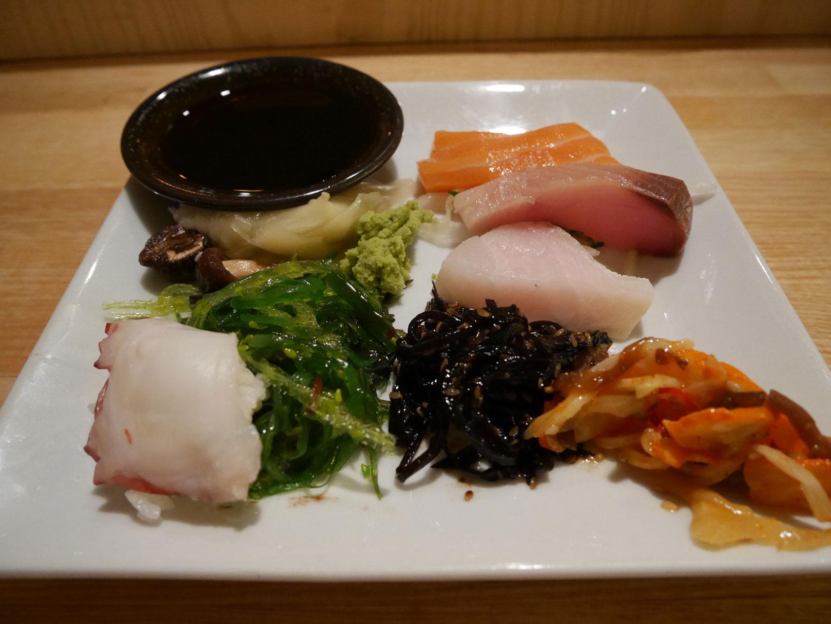 Helt fel dag att vara mätt på – maten i restaurang Teppanyaki är något av det godaste jag ätit.